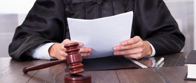 Imagen: Gerichtsurteil zur Bestimmung der Vaterschaft