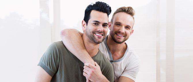 Pareja gay con deseo reproductivo