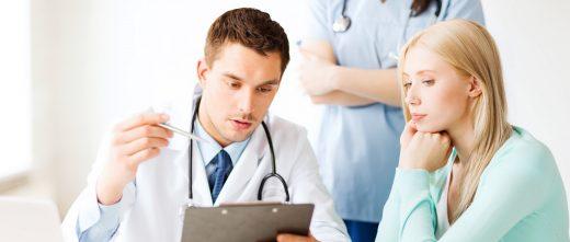Contrôle médical de la mère porteuse