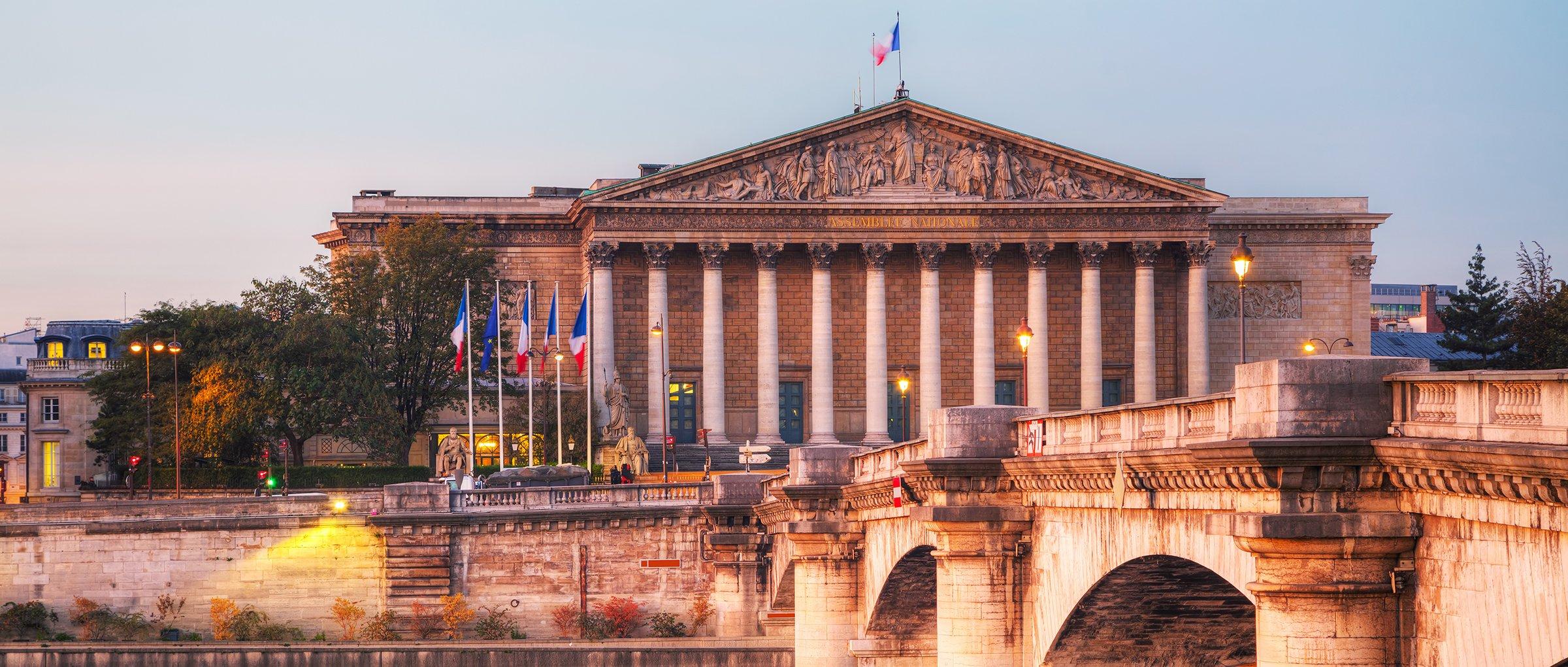 En France, une proposition de loi veut pénaliser la GPA à l'étranger