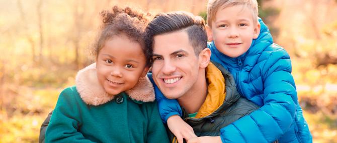 Imagen: Adoption par un homme célibataire